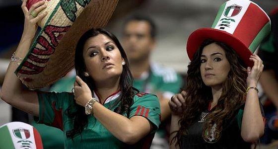Футбол, тек қана футбол!: Футбол тек еркектердікі!