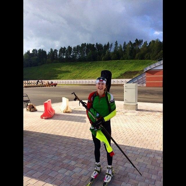 Біз білмейтін қазақтар: Динара Әлімбекова - Беларусьтағы қазақ биатлоншы