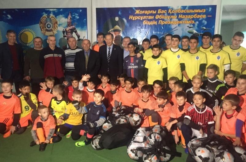 Блог - asaubota: Панфилов ауылында 300 бала футболмен шұғылданбақ