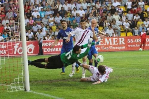 Футбол, тек қана футбол!: Ақтөбе-Қайрат. Суреттер сөйлейді