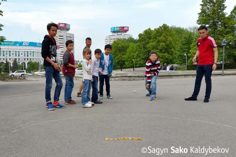 Блог - Zako: Алматыдағы алғашқы Асық party қалай өтті?