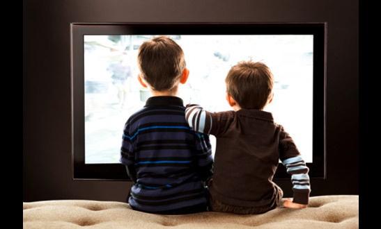 Можно ли маленьким детям смотреть телевизор?