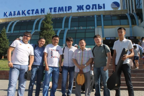 Блог - Daniar-Alan: Домбыра пати-Караганда. Бейне & фото есеп.