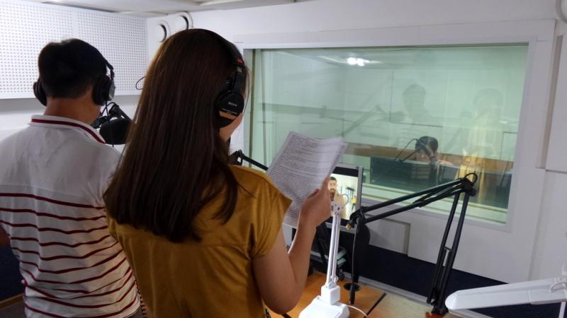 Блог - aikarakoz: Телеарнадағы кино дубляжы: қалай, қанша, кім?