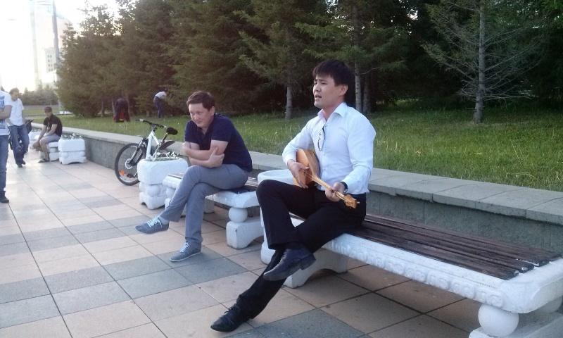 """""""Бойдақ шал"""" әзіл әнінің орындаушысы. Аты-жөнін білмеймін"""