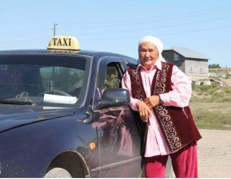 Блог - ademi_alem: 67 жасар такси жүргізуші апа