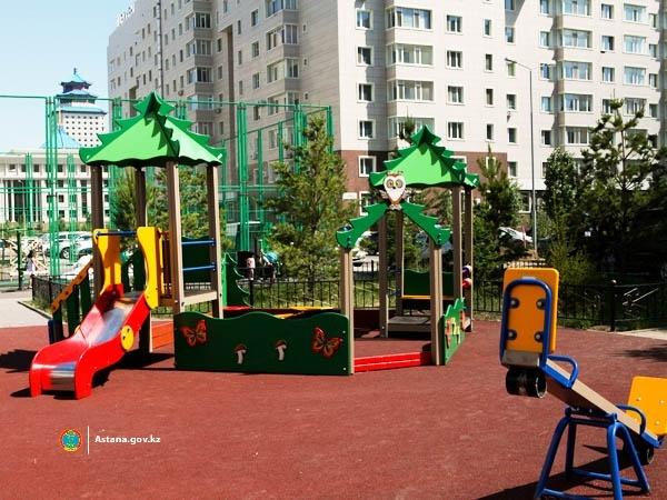 Астана жаңалықтары: Аулаларды абаттандыру бағдарламасы жүзеге асырылуда