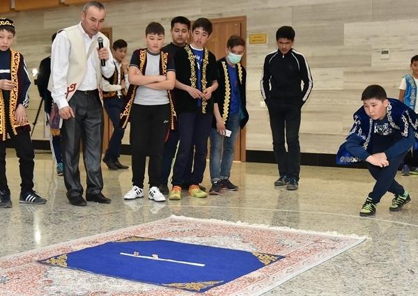 Астана жаңалықтары: Асық ойнаған озар