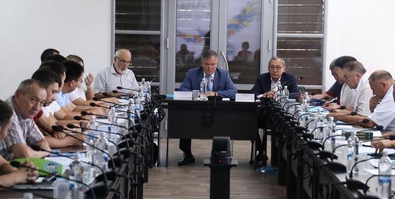 Алматы облысының ҮЕҰ мен БАҚ өкілдері Елбасы мақаласын талқылады