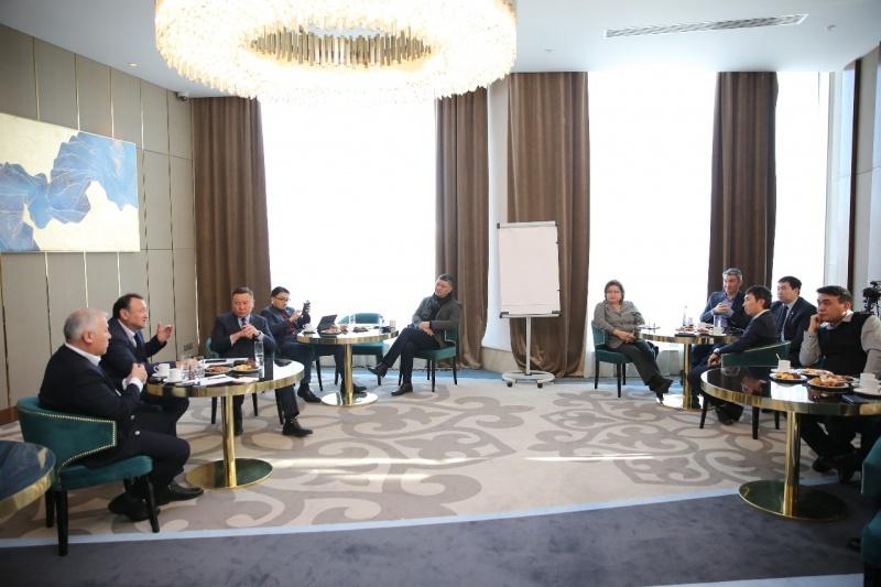 Блог - nur_otan: «Нұр Отан» партиясы Төрағасының бірінші орынбасары Мұхтар Құл-Мұхаммед сарапшылар қауымдастығымен кездесті