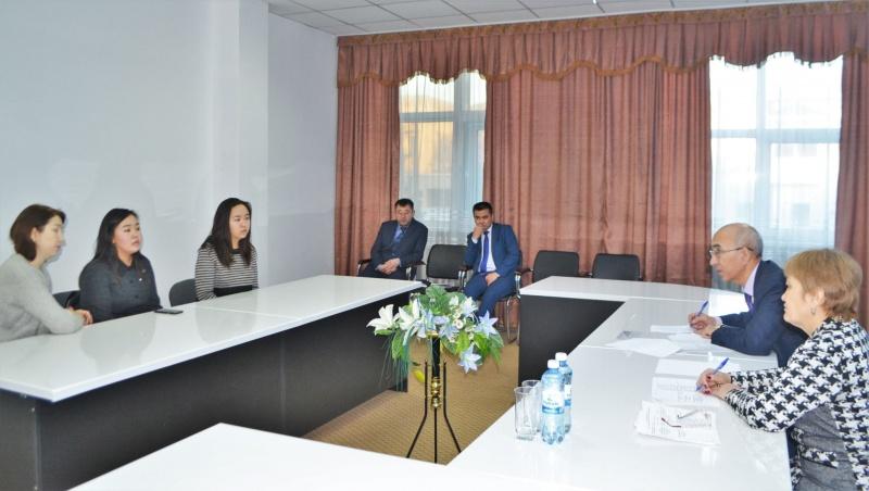 Блог - nur_otan: Көкшетаулық студент қыздар оқу ақысына75 % жеңілдік алды